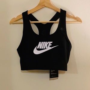 Nike Swoosh Sports Bra